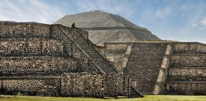 Teotihuacán, vista de la gran pirámide del Sol